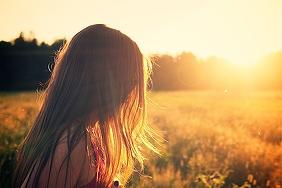 hair-in-sunrise-2513x1670_18986